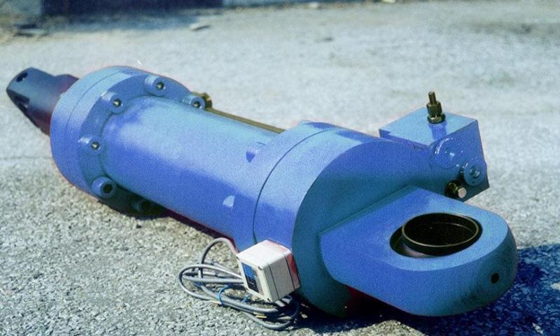 挖掘机大型油缸为什么总是坏?